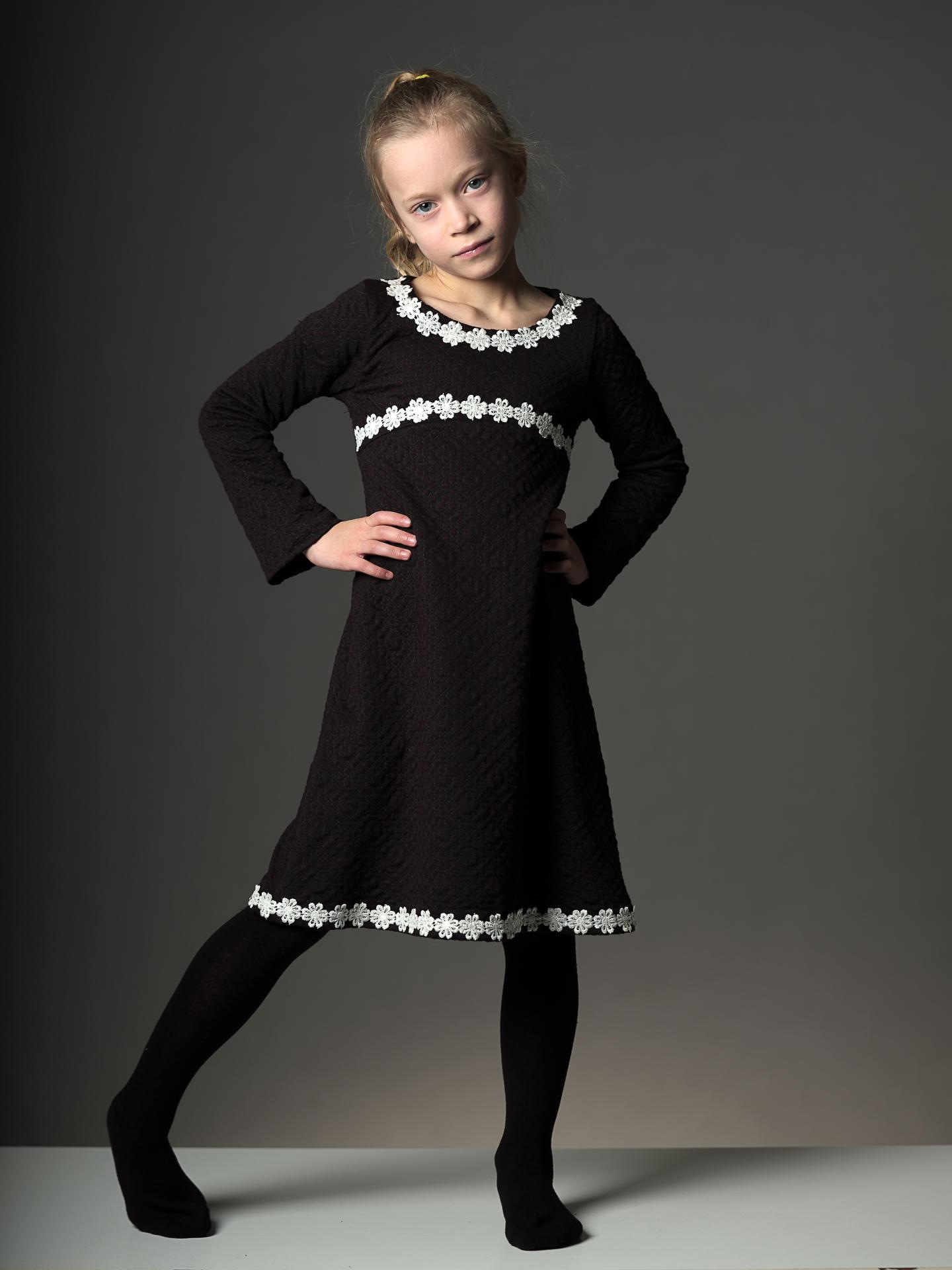 Splinternye Sort Kjole med blomster – Tøj til piger og drenge HR-75